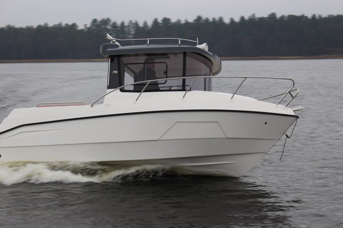 Farello 610 Pilothouse